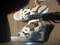 Euro Soft by SOFFT Beige Leather Wedge Sandals Size 7