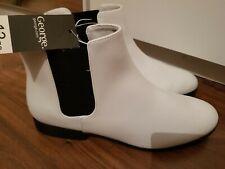 Ladies white Chelsea boots BNWT size 7