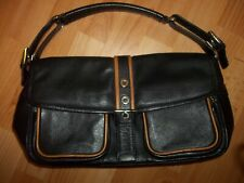 TOMMY & KATE BLACK & TAN LEATHER BAG
