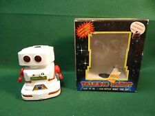 "Chain Fong Toys White Walking & Talking 5-3/4"" Tall Robot"