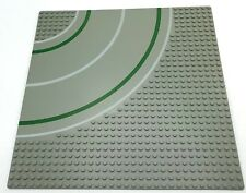 LEGO BASEPLATE 32 X 32 DOT (10X10 IN) ROAD CITY STREET 7 STUD CURVE PLATFORM