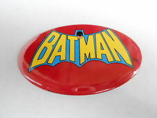 VINTAGE PINBACK BUTTON #73-069- OVAL - BATMAN LOGO #2 RED