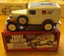 Ertl Trustworthy Hardware Stores 1932 Panel Truck Bank 1/25 Scale Diecast Model