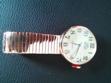 Relojes de pulsera de metal dorado de cuero para hombre