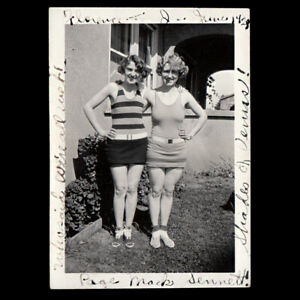 NAUGHTY INSCRIPTION SEXY BATHING SUIT WOMEN PINUP POSERS ~ 1928 VINTAGE PHOTO