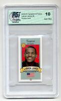 2003-04 Campioni di Futuro #5 LeBron James Red Back Rookie Card PGI 10