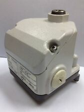 BARKSDALE  Pressure Switch  D1T-M150SS  0401 189   0.5-10.3 bar