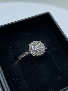 18ct White Gold & Diamond 0.73ct - HJ029
