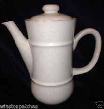 MIKASA J4000 SNOW WHITE COFFEE POT & LID 46 OZ SPECKLED WHITE COUTURE LINE