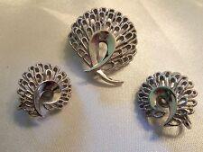 (TRIFARI) INCREDIBLE Vintage Textured Silvertone Brooch & CLIP Earrings 15JS06