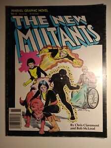 THE NEW MUTANTS Number #4 Chris Claremont X-Men Marvel graphic Novel.1982.