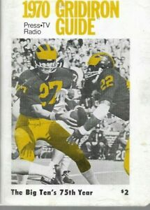 1970 MICHIGAN WOLVERINE FOOTBALL (Coaches #7, Big 10 #2) media guide, Excellent