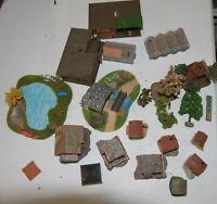 Spur H0 ca 20 kleine Gebäude, Hochsitz, Haltestellen, Diorama, alte Bäume, Gew.H