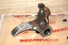 culbuteur  fermeture Ducati 748 996 B 20910015A neuf