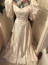 Wedding Gown vintage $9000victorianstyle 2/6custom-made pale Cream taffeta train