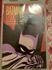 """ BATMAN: YEAR ONE "" Comic Book (1988) - FRANK MILLER & DAVID MAZZUCCHELLI"