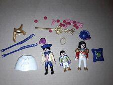 Lot Playmobil issu de la boîte 6237 personnages + accessoires du carosse calèche