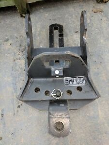 VALTRA - PICK UP HITCH BOTTOM PART WITH SWINGING DRAWBAR