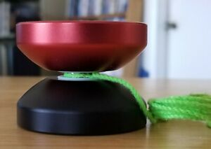 YoYoFactory DV888 Responsive Yoyo In Black and Red, Used Condition