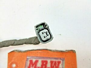 TURN SIGNAL LIGHT BULB SOCKET FENDER SIDE MARKER LAMP WIRE PLUG CLIP VUE CAPTIVA