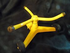 Vintage 60's Nelson whirling Yellow lawn sprinkler. Works perfect- Fun for kids