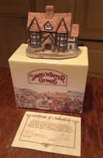 David Winter Cottages Shirehall in Original Box and Coa 1985