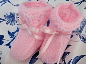 LOVELY HAND KNITTED BABY BOOTIES in PINK - NEW BORN (6)
