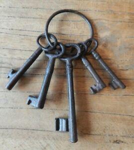 Set of cast iron Jail Jailers keys ornament decorative display Home UK SELLER
