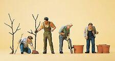 Preiser 10466 H0, Beim Pflanzen, 4 Figuren, handbemalt, Neu