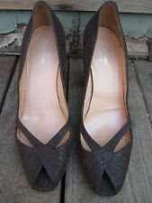 TRUSSARDI - made in Italy. pre-owned. Brown leather / Suede textured pump. Sz37