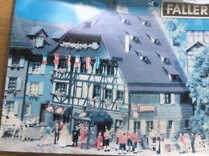 Hotel Romantic HO Faller