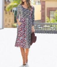 Trendiges Kleid In Angesagter Patch-Optik