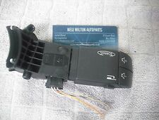 A RENAULT ESPACE MK4 STEERING COLUMN MOUNTED RADIO VOLUME SWITCH