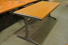 Wilkhahn Table pour banc 1200 Friso Kramer fibre de verre orange 1968 Berlin