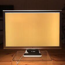 Apple Cinema Display 76 cm (30 Zoll) 16:9 LCD Monitor - Silber