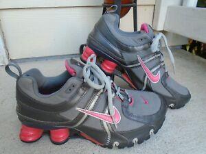 Womens Nike Shox pink/gray running shoes sz 7