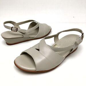 $ SAS Suntimer Beige Leather Sandals Shoes Women's Sz 9.5 W Wedge Buckle EUC