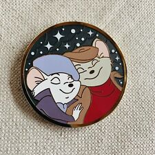pins disney fantasy broche hard enamel / Bernard et bianca / the rescuers