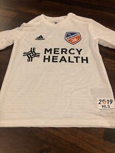 New Adidas Youth FC Cincinnati Soccer Replica Jersey Size XL White Black 2019