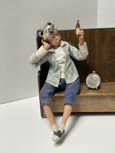 VTG Artisan Sculpted Wore Out Granny & Her Beer Doll Dollhouse Miniature 1:12