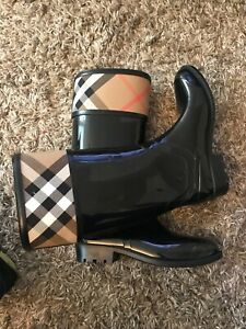 Burberry Boots. 5