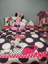 New listing 7 pc Minnie Mouse Full Size Bedding and Sheet Set with Oversized plush Doll