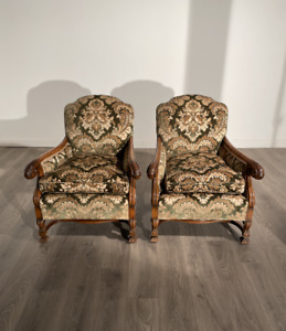 Attractive Edwardian Pair Of Very High Quality Walnut Armchairs Circa 1920