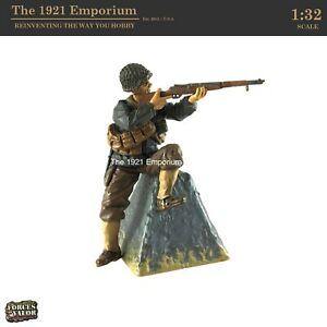 ☆ 1:32 Scale Unimax Toys Forces of Valor WWII US Army D-Day Soldier Figure
