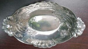 Deep Cut Or Basket to The Flowers Of Poppy Art Nouveau GALLIA Metal Silver