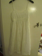 Zara White Floral Sequin Dress in Size M / Size 8