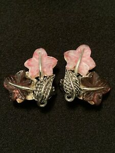 VINTAGE CLIP ON EARRING SIGN BOUCHER