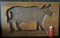 trés grand moule à spéculos  sculpté d'une vache - art populaire