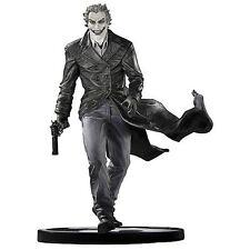 DC Direct Batman Black and White Statue The Joker by Lee Bermejo