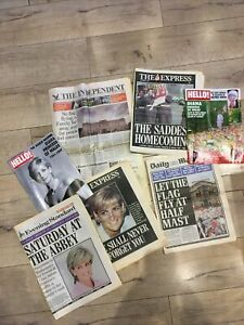 Bundle of Princess Diana 1997 Tribute Memorabilia newspapers and magazines